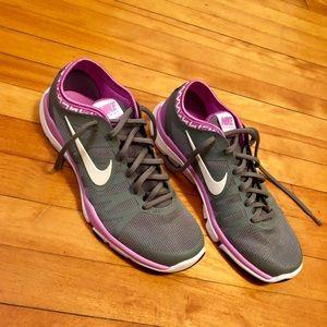Women's Nike Flex 8.5 sneaker